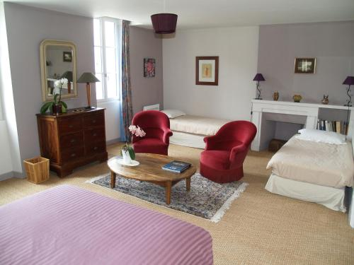 Les Hortensias : Bed and Breakfast near Lavalade