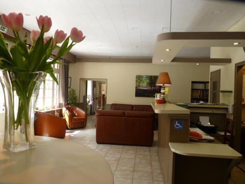 Logis Belle Rive : Hotel near Savignac