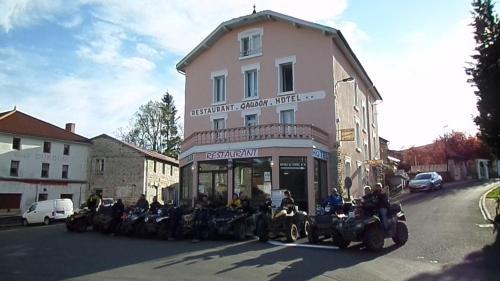 Hotel La Vie En Rose : Hotel near Débats-Rivière-d'Orpra