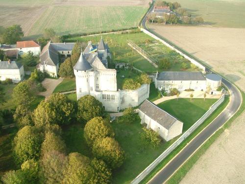 Gîtes du Château de La Motte : Guest accommodation near Availles-en-Châtellerault