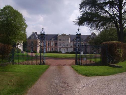 Chambres d'hôtes du Château de Grand Rullecourt : Bed and Breakfast near Bailleulmont