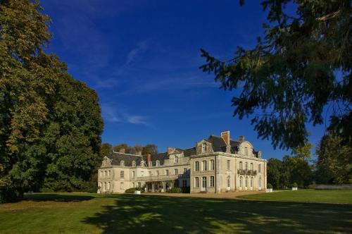 Château Des Briottieres : Hotel near Sceaux-d'Anjou