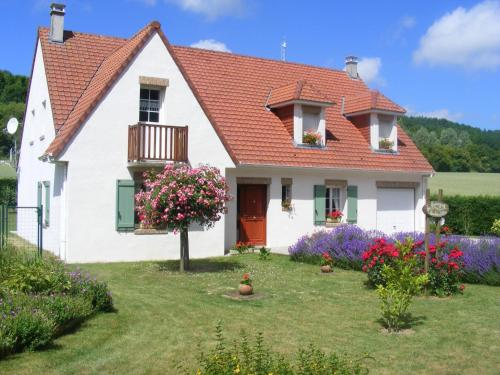 La Bourgade : Bed and Breakfast near Parenty
