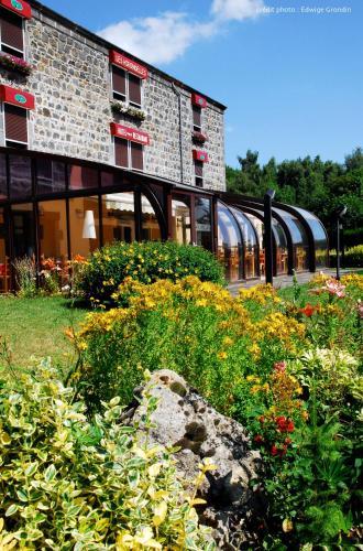 Les Hirondelles : Hotel near Chapdes-Beaufort