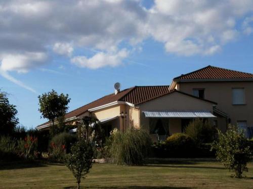 Chambres d'Hôtes de l'Auraine : Bed and Breakfast near Limoges