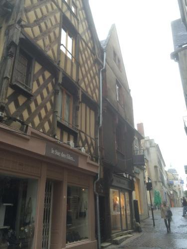 L'Appartement de la Maison du Théatre Saint Bonnet : Apartment near Venesmes