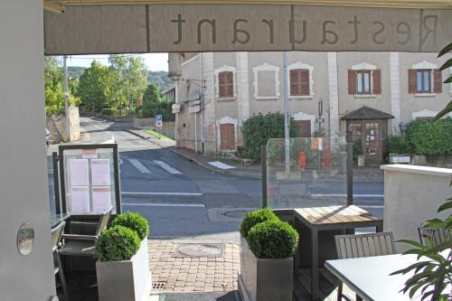Hôtel La Caborne : Hotel near Belmont-d'Azergues