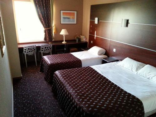 Brit Hotel Akwaba : Hotel near Saint-Géréon