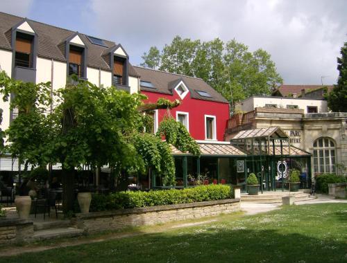 Hôtel Restaurant Du Parc de la Colombière : Hotel near Beire-le-Fort
