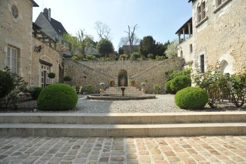 Demeure des Vieux Bains : Bed and Breakfast near Vieux-Champagne
