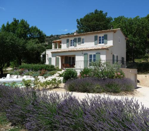 Le Chene Villa : Guest accommodation near Rustrel