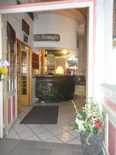 Hôtel Saint Christophe : Hotel near Lourdes