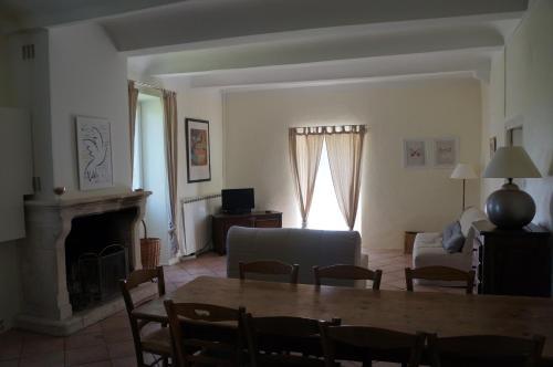 Le Mas de Baraud : Guest accommodation near Saint-Maurice-d'Ibie