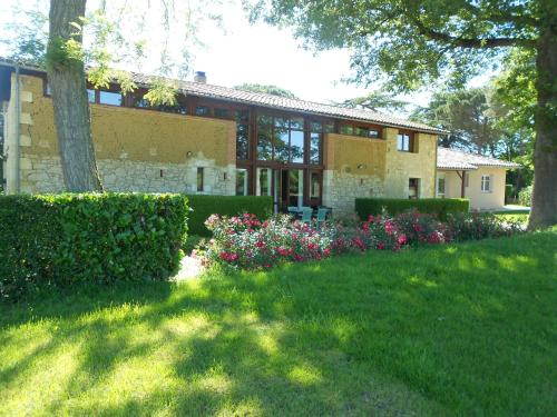 Jardin d'En Naoua : Bed and Breakfast near Bellesserre