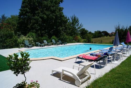 Les 4 Saisons : Guest accommodation near Saint-André-d'Allas