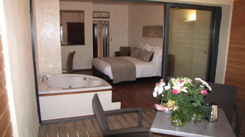 Ile du Gua Suites : Guest accommodation near Narbonne