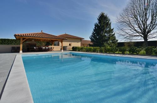 Domaine de la Garde : Bed and Breakfast near Condeissiat