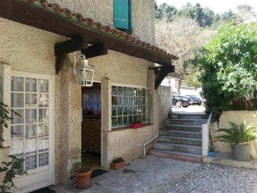 Hotel Le coin tranquille : Hotel near Allauch