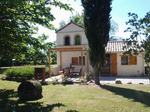 Gite Le Pigeonnier : Guest accommodation near Nègrepelisse