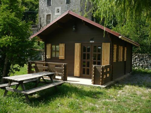 Camping de l'Amitié : Guest accommodation near Puget-Rostang