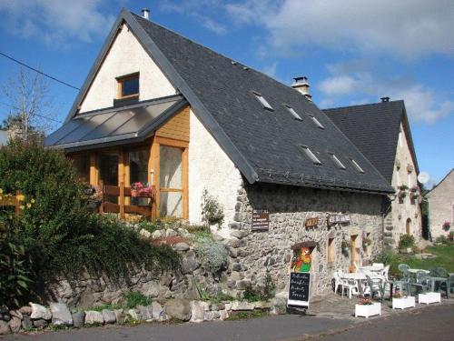 Gîte des Sagnes : Hostel near Apchat