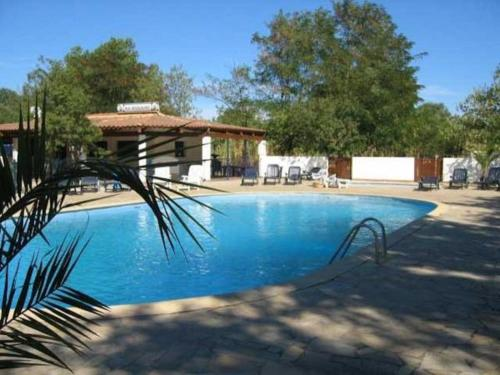 camping le Fief d'Anduze : Guest accommodation near Saint-Jean-de-Crieulon