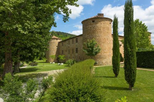 Château Des Ducs De Joyeuse : Hotel near Antugnac
