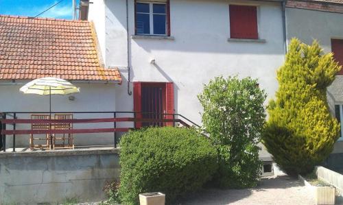 Gîte à Châtelus, au calme dans l'Allier : Guest accommodation near Liernolles