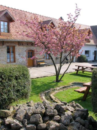 Auberge du Blaisel : Bed and Breakfast near Wirwignes