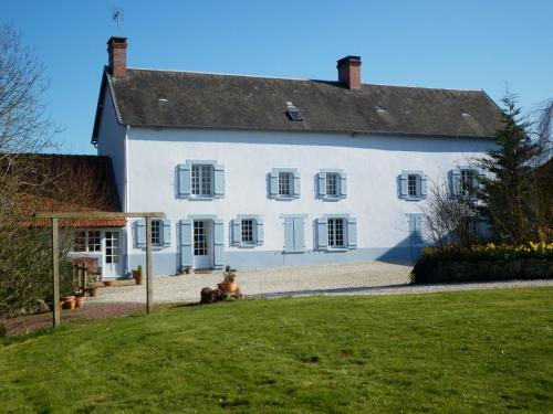 La Chapelle Chambres D'Hôtes : Bed and Breakfast near Lozon