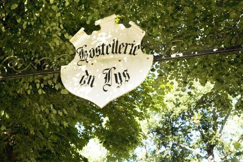 Hostellerie Du Lys : Hotel near Mours
