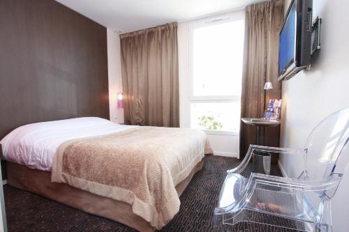Kyriad Charleville Mezieres : Hotel near Inaumont