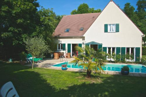 Chambres d'hotes Les Hibiscus : Bed and Breakfast near Le Mesnil-le-Roi