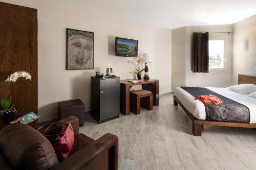 Le Ya'Tis : Hotel near Saint-Laurent-des-Arbres