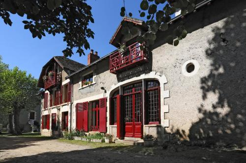 Au Manoir de la Presle B&B : Bed and Breakfast near Paulnay