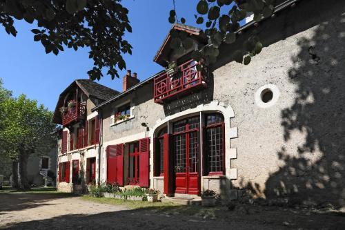 Au Manoir de la Presle B&B : Bed and Breakfast near Luzeret