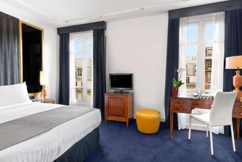 Melia Paris Champs Elysées : Hotel near Paris 16e Arrondissement