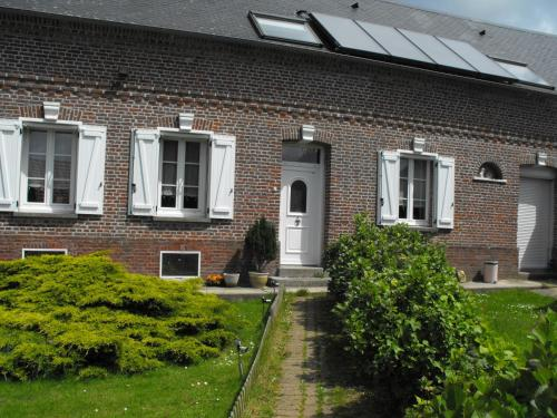 La Ferme de la Croix : Guest accommodation near Bouttencourt