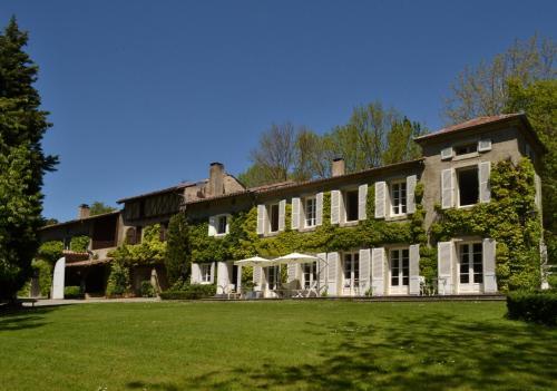 Chambres d'Hôtes Domaine du Hameau Baylesse : Guest accommodation near Bénaix