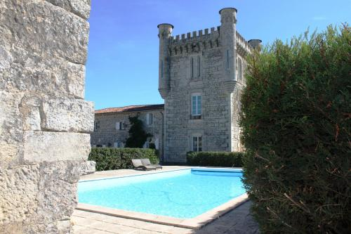 Aux 4 Cornes : Bed and Breakfast near Liez