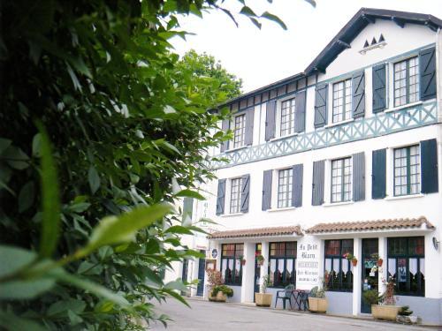 Hotel Au Petit Béarn : Hotel near Autevielle-Saint-Martin-Bideren