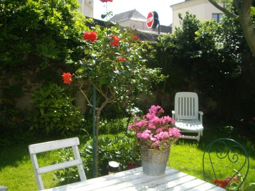 Le Beaupassant : Bed and Breakfast near Genneton