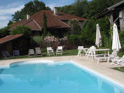 Le Clos de Foncemanen : Guest accommodation near Sardieu