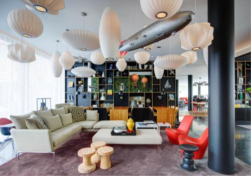 citizenM Paris Charles de Gaulle Airport : Hotel near Longperrier