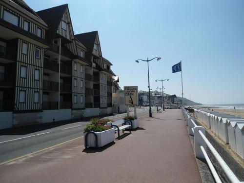 Résidence Brise de Mer : Apartment near Auberville