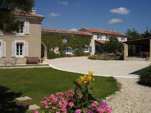 L'Ancienne Distillerie : Guest accommodation near Bourg-Charente
