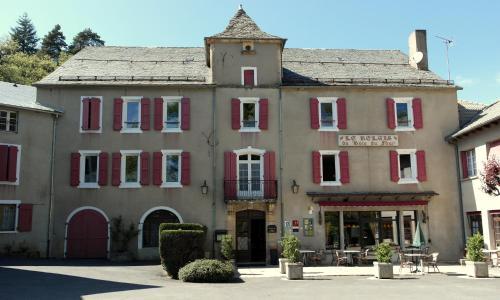 Relais du Bois du Four : Hotel near Saint-Léons