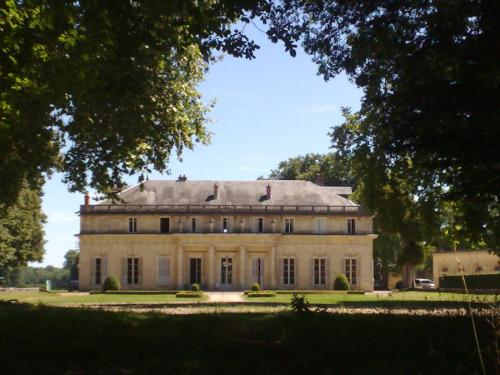 Château de Bressey : Bed and Breakfast near Izier