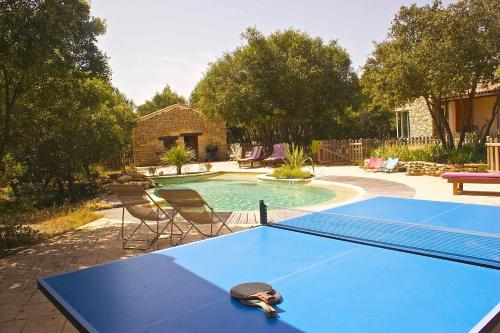 Le Mazet de Vallongue : Guest accommodation near Souvignargues