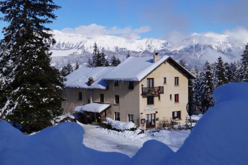 Hotel - Restaurant Le Blanchon : Hotel near Saint-Martin-lès-Seyne
